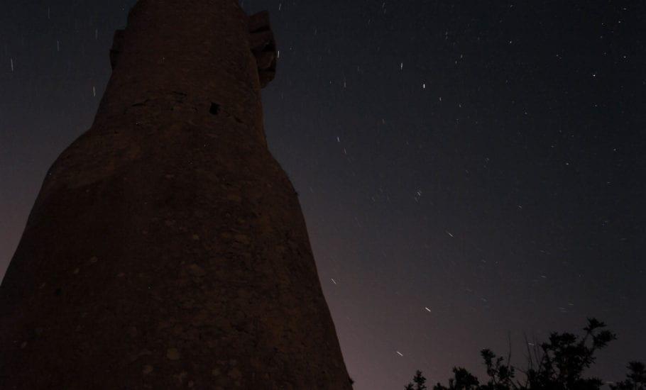 Torre del gerro denia de noche