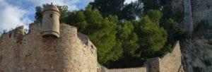 Lateral del castillo de Denia